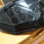13年式のNinja1000のテールランプを後期型のスモークテールに交換しました。