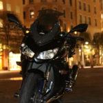 Ninja1000 汐留イタリア街で夜景をバックに撮影